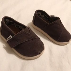 Tom's Heritage infant brown shoes Sz 2/3